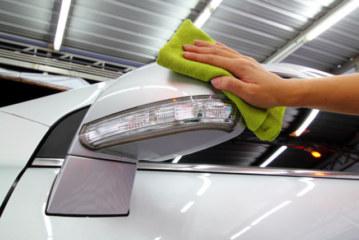 Lavaggio auto a secco, come lavare l'auto senz'acqua!