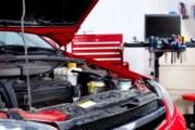 Pulire motore auto: come fare e che sgrassante auto scegliere