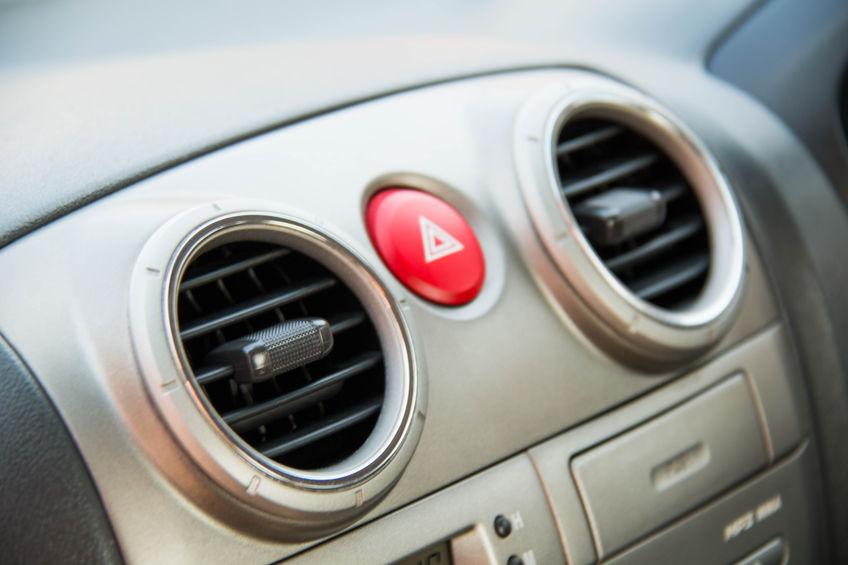 Pulire condizionatore auto